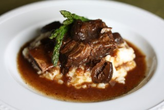 http://thegourmandmom.com/2011/09/23/braised-beef-short-ribs-with-figs-and-creamy-brie-potatoes/
