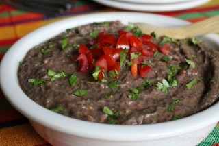 black bean hummus from twohealthykitchens.com
