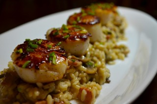 http://melanieanncairns.com/2014/05/24/pan-seared-scallops-with-wild-mushroom-risotto-and-truffled-gouda/