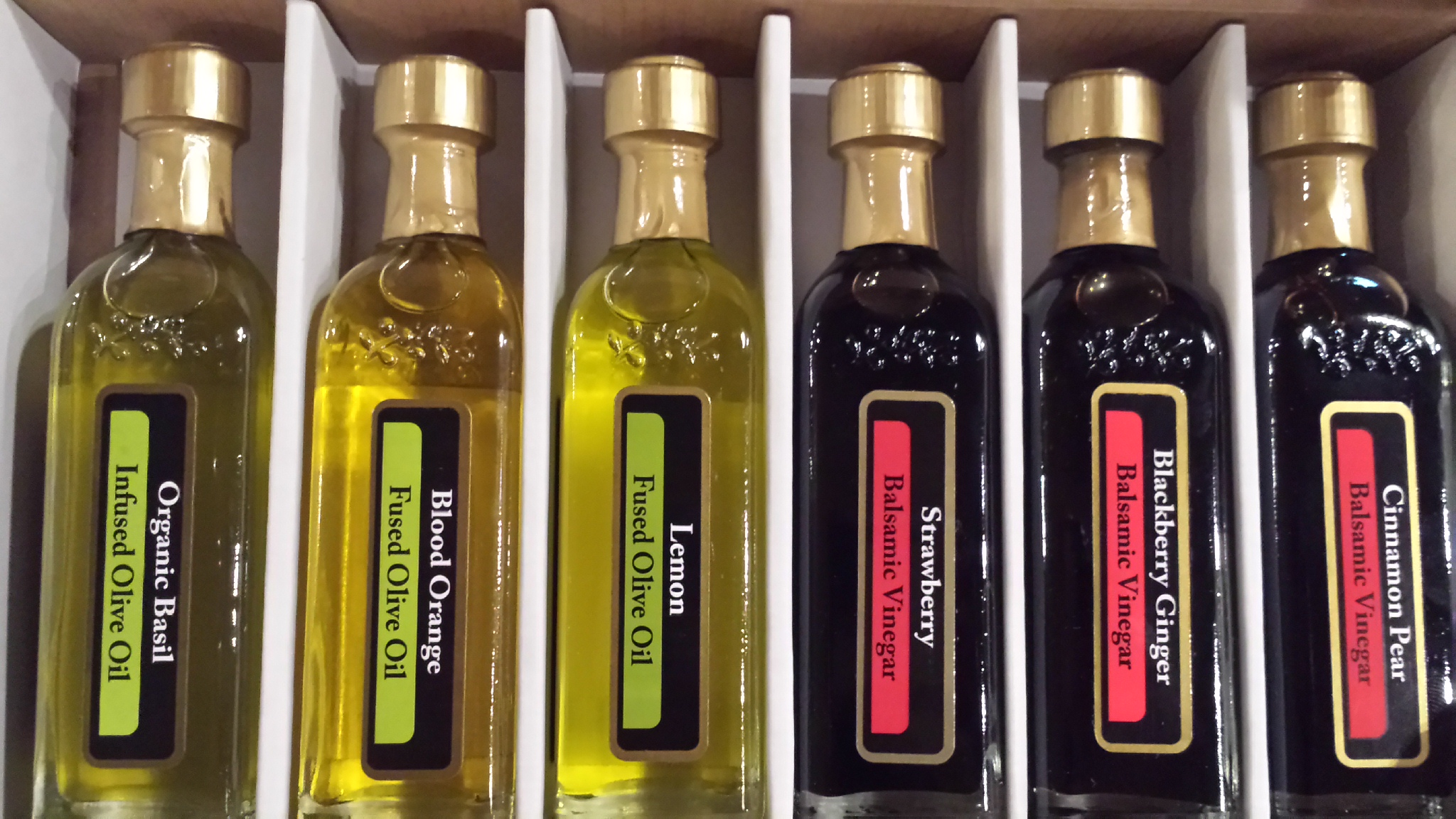 Citrus 6 bottle pack of olive oils and vinegars